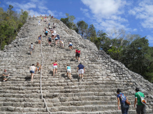 Cancun_Tours_Piramide_Nohoch_Mul