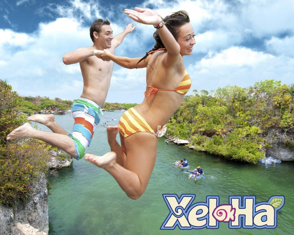 O Xel-Ha tem vários pontos para entrar na lagoa. Um deles é pelo penhasco que está entre a selva.